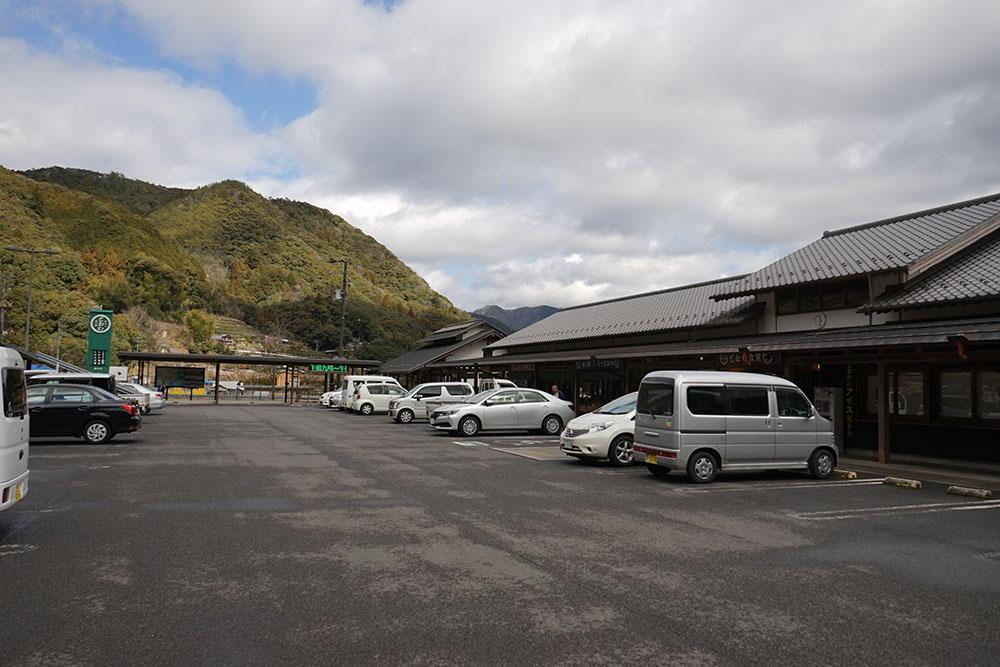 道の駅とおわ駐車場