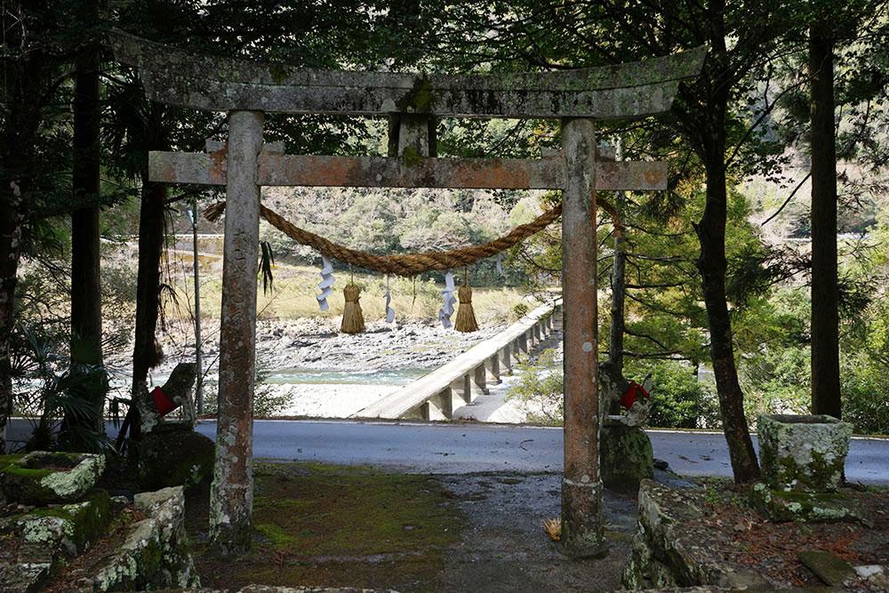 鳥居からの沈下橋