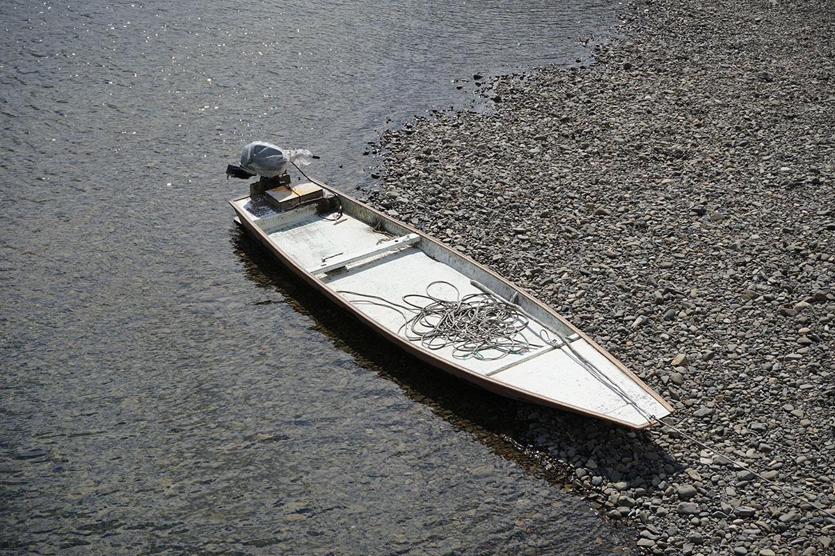 高瀬沈下橋と船