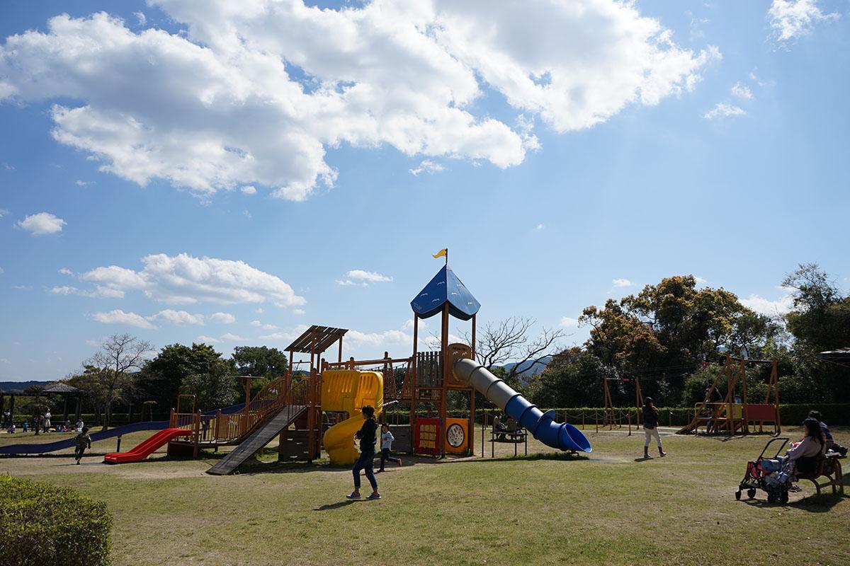 土佐西南大規模公園わんぱく広場のベンチ