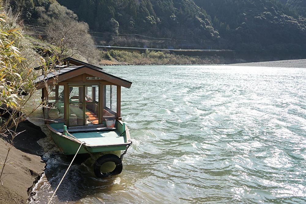 カヌー館の屋形船